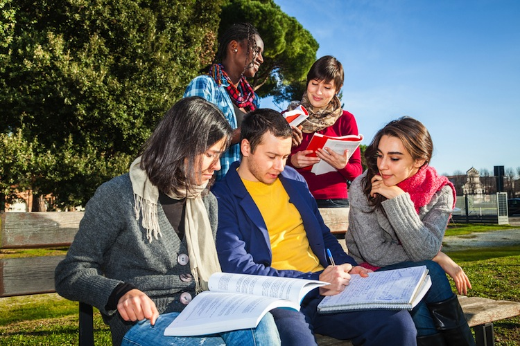 Shutterstock 171410774 in MPC will Studentenwohnungs-Plattform weiterentwickeln