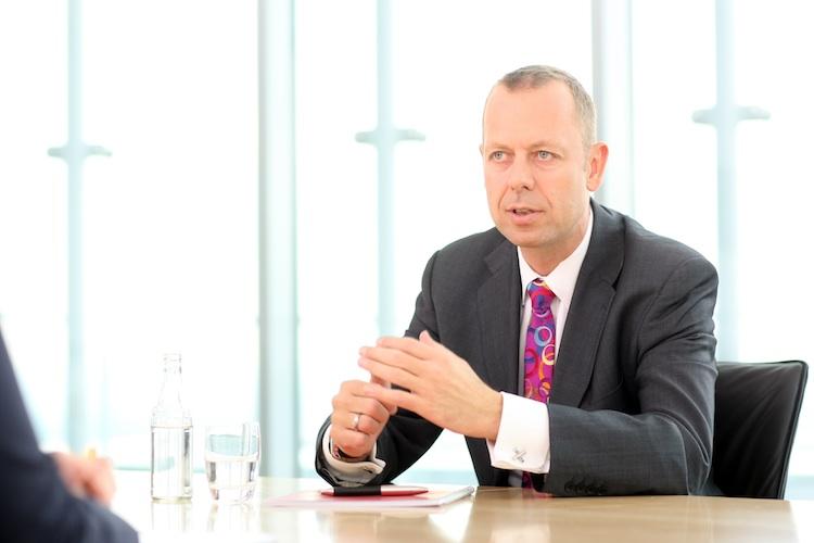 Oletzky in Ergo erhöht Gewinn