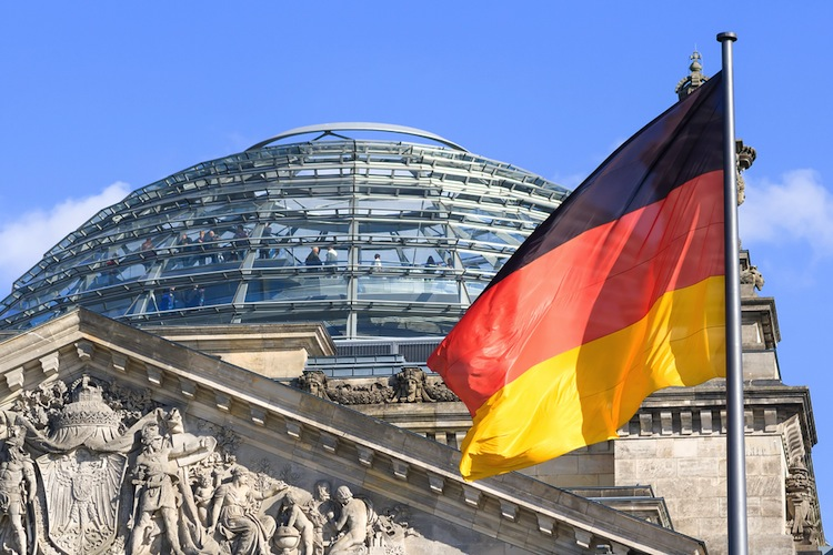 Shutterstock 176801369 in Kleinanlegerschutzgesetz passiert den Bundestag
