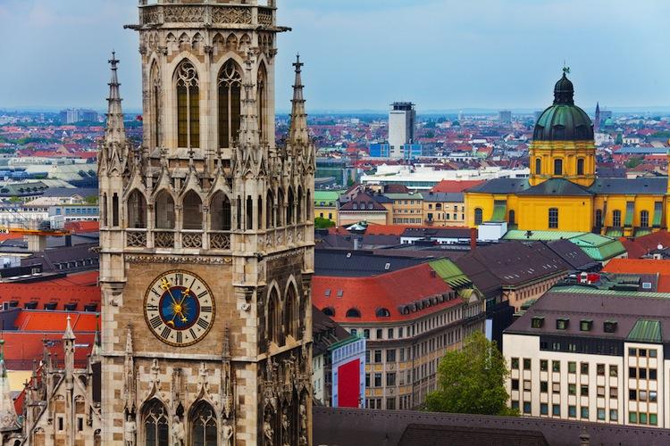 Shutterstock 185203337 in Deutsche Finance als Finanzdienstleistungsinstitut zugelassen