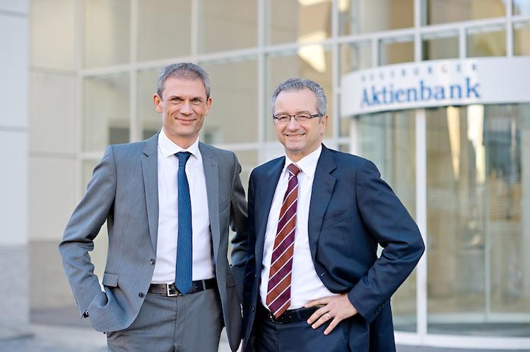 Behrens Maas AAB1-Kopie in Augsburger Aktienbank kauft Netbank
