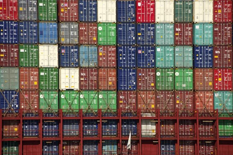 Shutterstock 256500256 in Solvium meldet wachsenden Containerbestand