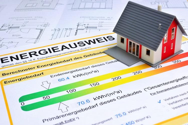 Energieausweis Shutterstock 129086174-Kopie in Energieausweis: Immobilien mehrheitlich im roten Bereich
