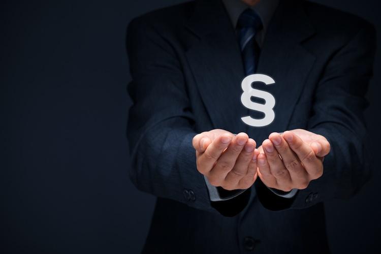 Recht Shutterstock 228774244-Kopie in Vermieter: Politik wirft uns Knüppel zwischen die Beine