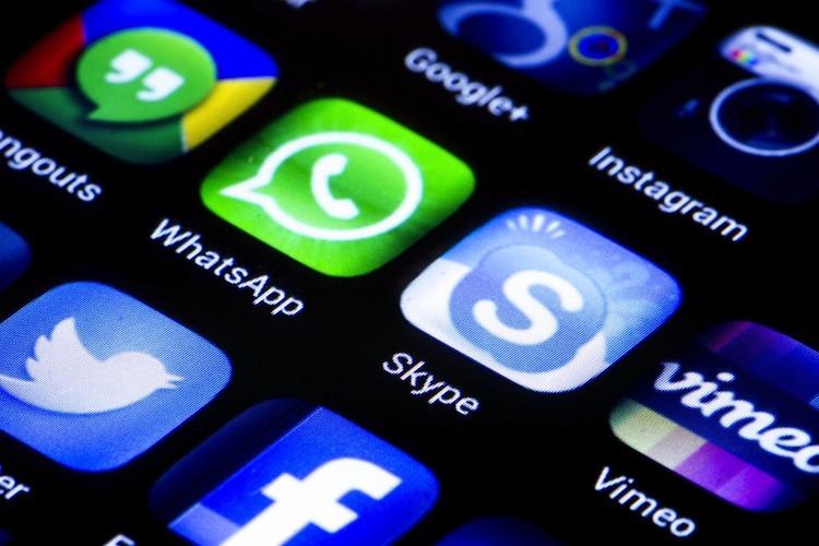 Ergo Direkt berät über WhatsApp