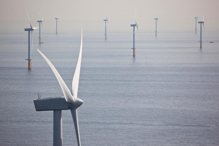 Shutterstock 130551464 in EIB-Darlehen für neuen Offshore-Windpark
