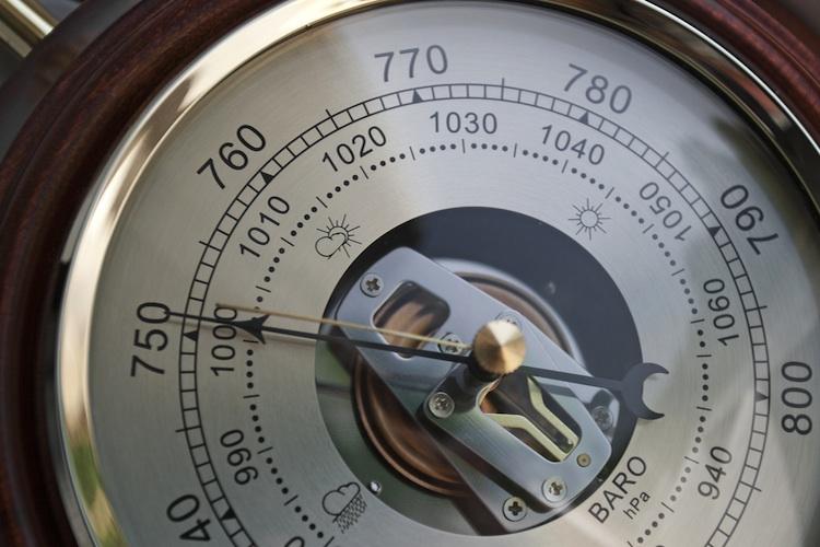 Barometer Shutterstock 146032568-Kopie1 in BF. Direkt übernimmt Barometer zur Kreditvergabepraxis