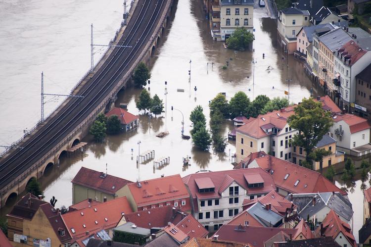 Immobilienpolicen-hochwasser in Fitch: Jüngste Unwetterschäden könnten Versicherer eine Milliarde Euro kosten