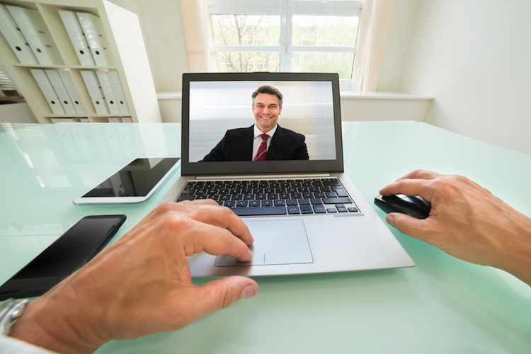 Going Public und Finanzen.de bieten Lehrgang zum Online-Kundenberater