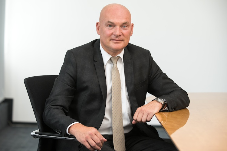Schneider MM1 in Kooperation für breitere Beratung
