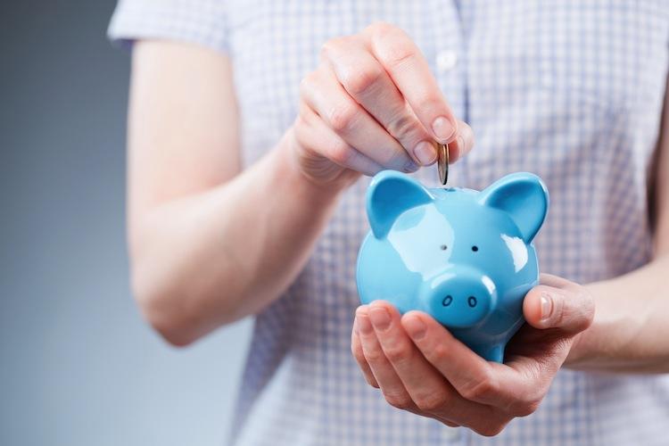 Sparen in Niedrige Zinsen bereiten Sparern Sorgen