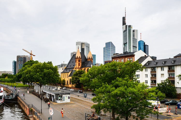 Shutterstock 299283035 in Project baut in Frankfurt am Main