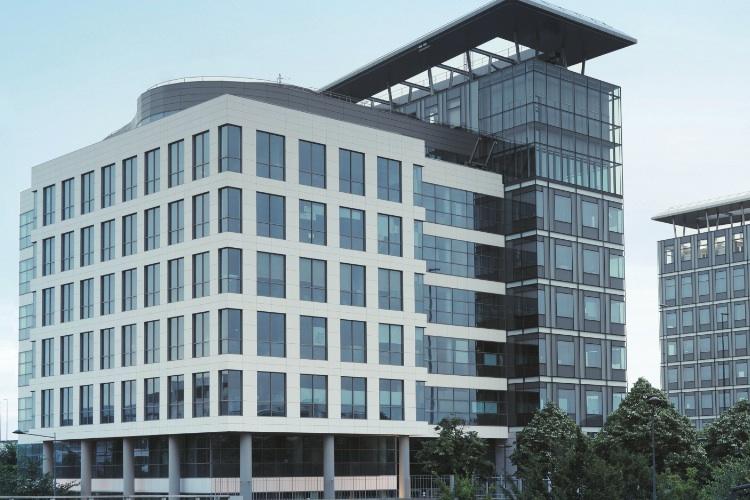 Hausinvest in Commerz Real verkauft Pariser Büroimmobilie