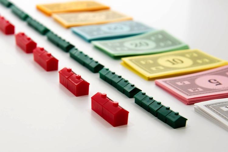 Monopoly Shutterstock 236759005-Kopie-2 in Wo Immobilienbesitzer die höchsten Kredite aufnehmen