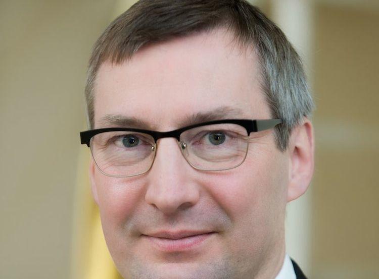 Dr. Martin Moryson, Sal. Oppenheim