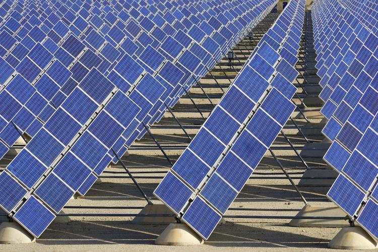 Shutterstock 201021302 in BaFin untersagt Solar-Direktinvestments
