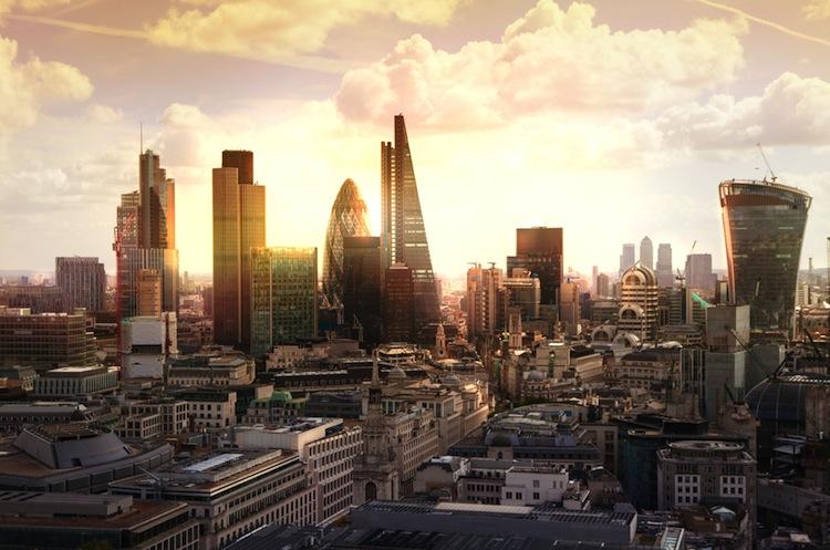Shutterstock 243410305 in Immobilienblase: London und Hongkong besonders gefährdet