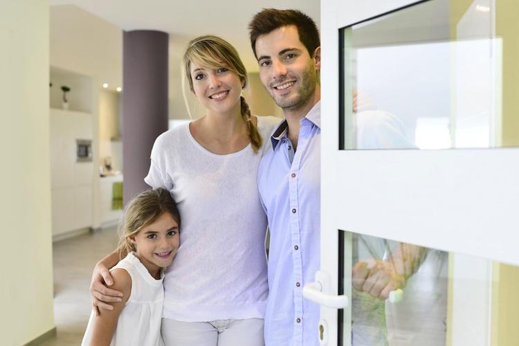 Haus-familie-shutt 167861609 in Wohnungssuche mit Kindern: Sicherheit ist wichtigstes Kriterium