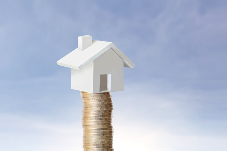 Haus-geld-shutterstock in EPX: Immobilienblase trotz steigender Preise nicht in Sicht