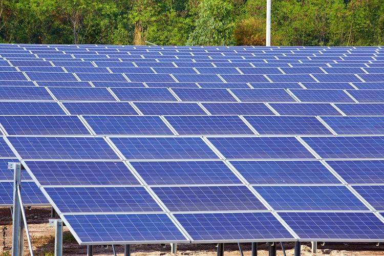 Shutterstock 1758776091 in Wattner: Drittes Solarkraftwerk für Sun Asset 5 übernommen