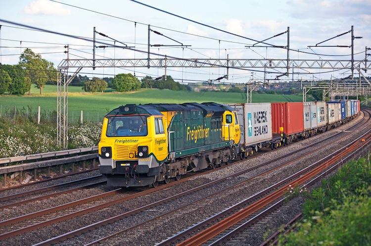 Shutterstock 79296115 in Lokführerstreiks belasten Güterverkehr auf der Schiene