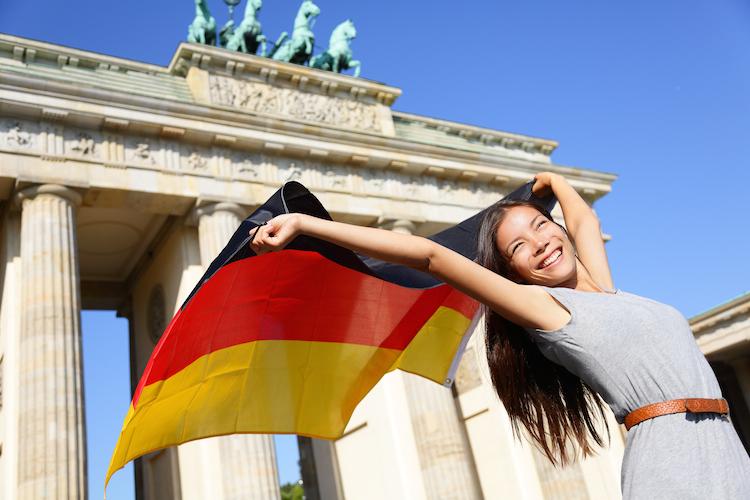 Deutschland in KPMG: Auslandsinvestoren werden 2016 zunehmend in Deutschland aktiv