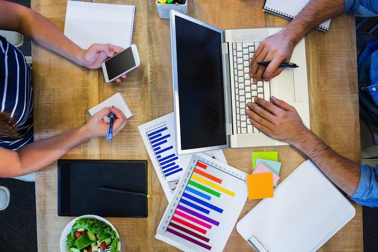 Studie-Anlageberatung-Young-Professionals in Wertpapier-Depot: So verringern Sie das Verlustrisiko
