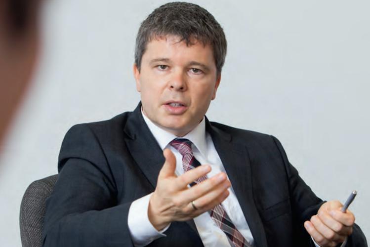 Barton-roundtable in Nürnberger bringt neue Tarife für die Pflege-Vorsorge