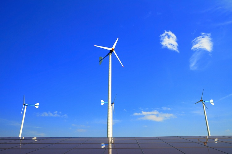 Shutterstock 143485018 in Verband: Ein Drittel der Stromerzeugung aus Erneuerbaren