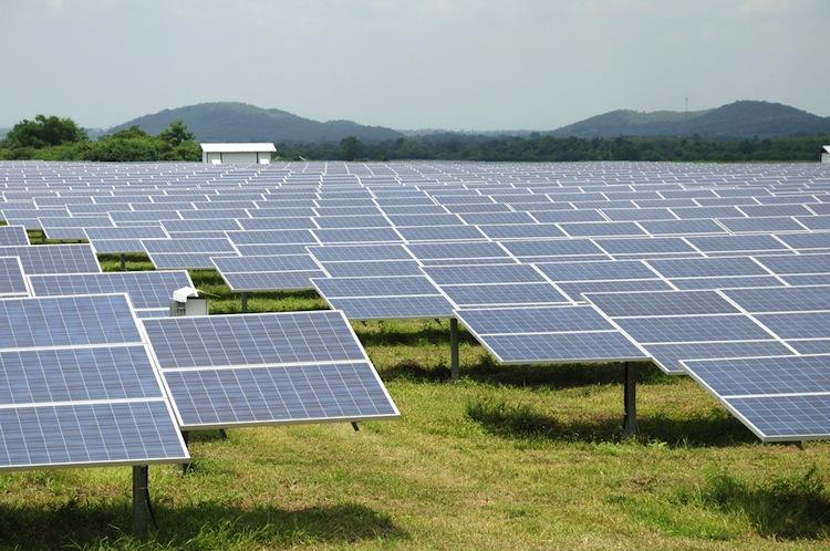 Shutterstock 154146884 in Fördersätze für Solaranlagen bleiben zum Jahresbeginn stabil