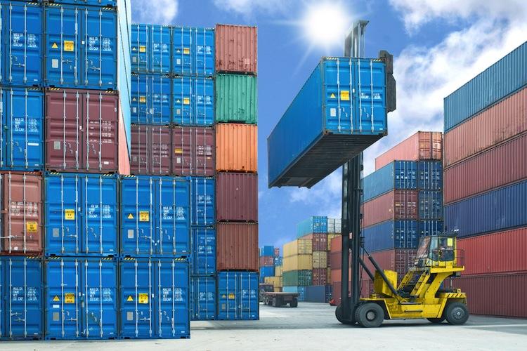 Shutterstock 275709428 in Milliarden-Übernahme bei Containerriesen