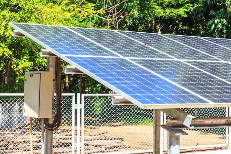 Shutterstock 300912554 in EnBW will Solar-Engagement nahezu verdoppeln
