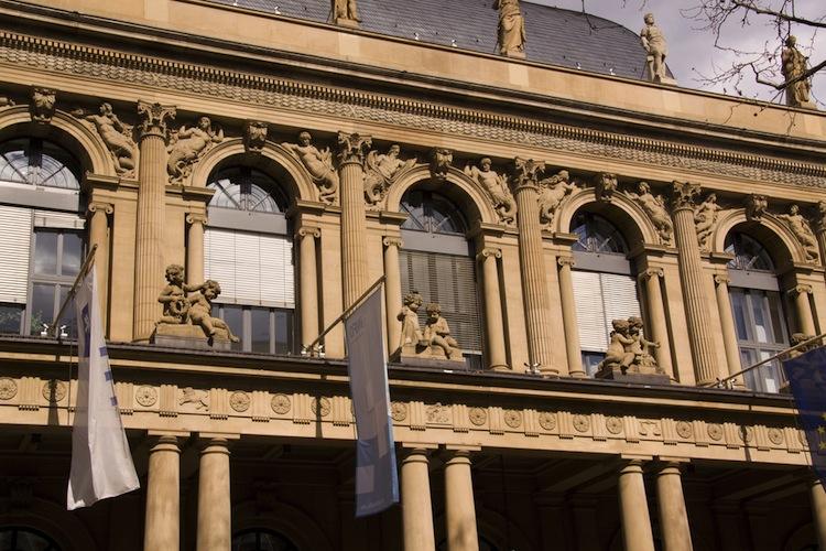 Shutterstock 92863675 in Optimismus kehrt vor EZB-Zinsentscheid zurück