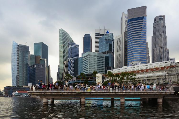 Shutterstock 129147500 in Buss-Fonds beteiligt sich an Gesellschaft aus Singapur