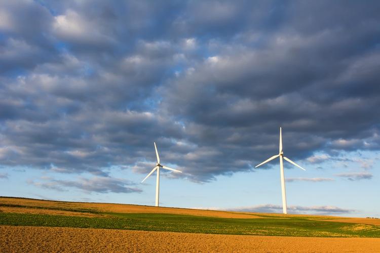 Shutterstock 3407619861 in Ausbau der Windenergie erlebt 2015 Flaute