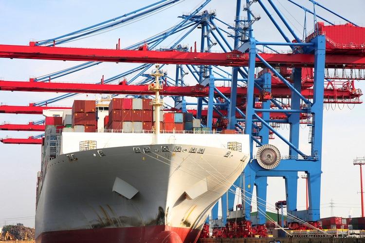 Shutterstock 356689067 in DST: Erfreuliche Renditen mit Schiffsfonds durchaus noch möglich