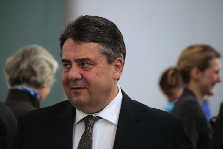Shutterstock 267878417 in Presse: Gabriel wirft Niedersachsen Verschleppung der Energiewende vor