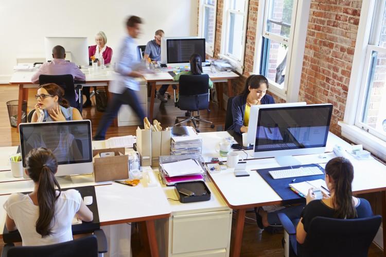 Shutterstock 284519087-e1455198433953 in Büroimmobilien: Nachfrage treibt Preise und senkt Renditen
