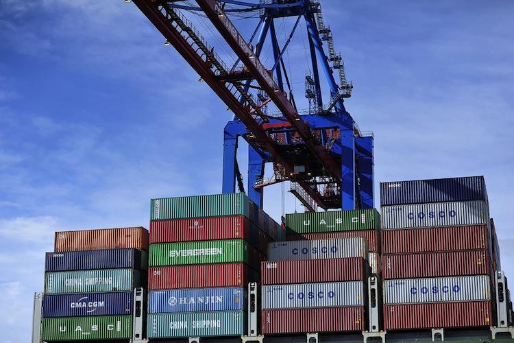 Shutterstock 351274520 in P&R sammelt Fragen des Vertriebs