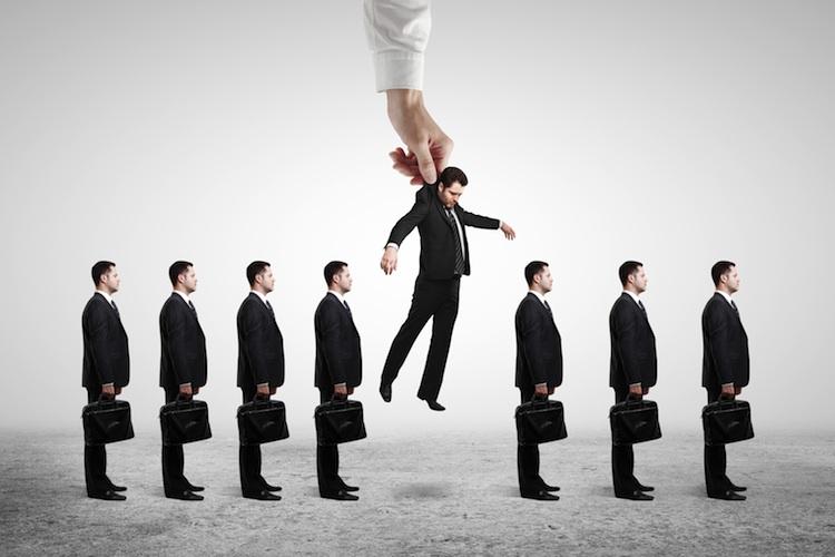 Studie: Banken treten auf die Kostenbremse – Stellenabbau erwartet
