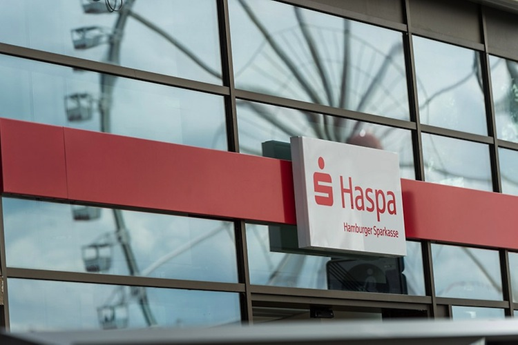 Hamburger Sparkasse kommt mit niedrigen Zinsen gut klar