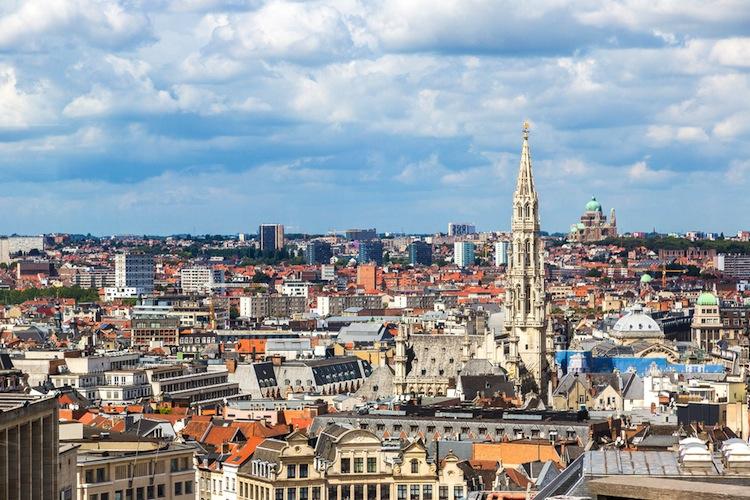 Shutterstock 246498610 in Patrizia kauft Hochhaus in Brüssel