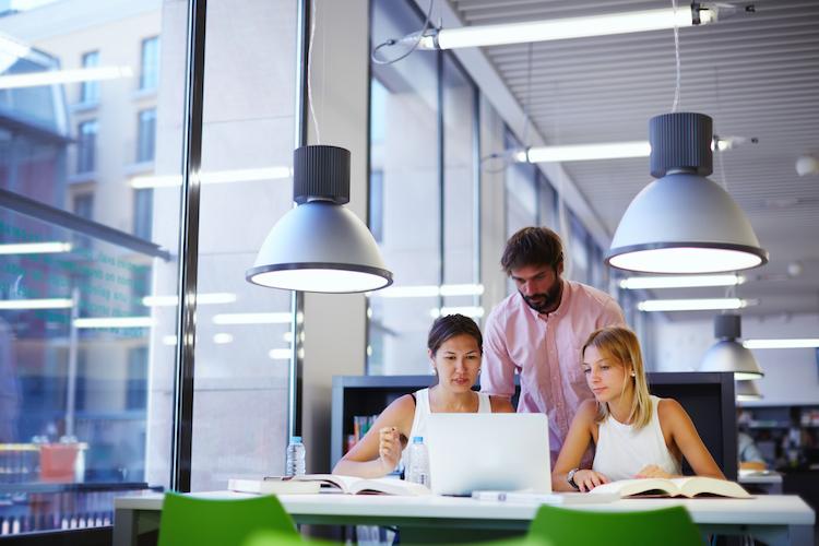Shutterstock 264406241 in Büromarkt startet positiv ins neue Jahr