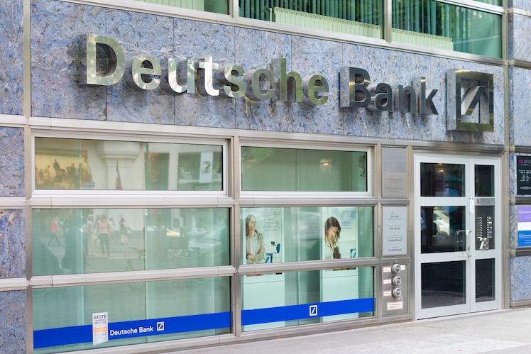 Shutterstock Dbk in Deutsche Bank will bei Stellenabbau ohne betriebsbedingte Kündigungen auskommen