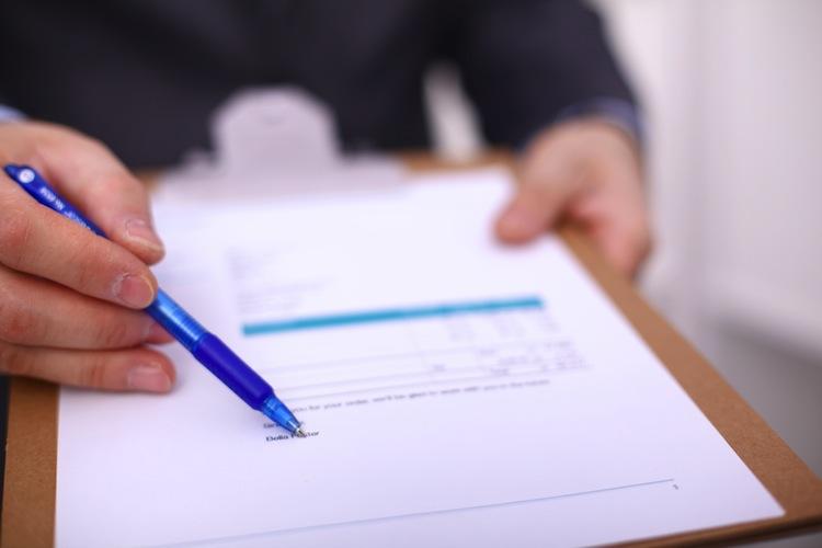 Vertrag-shutt 3761541371 in BGH: Wohnungseigentümer dürfen mit Mehrheit ein Grundstück kaufen