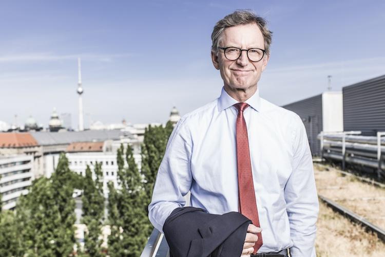 Späterer Rentenbeginn: Versicherungswirtschaft springt Schäuble bei
