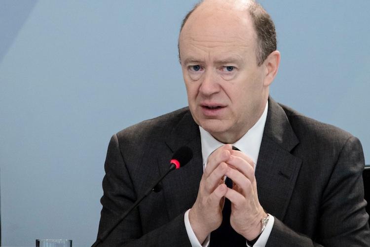 Deutsche Bank-Boss John Cryan mahtnt zu etwas Gelassenheit.