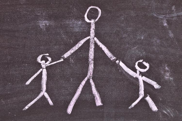 Versicherungsschutz: Wie Alleinerziehende sich und ihre Kinder absichern können