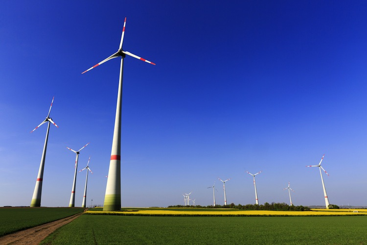 Shutterstock 387791875 in Erstmals Bürgerbeteiligung an Windparks gesetzlich geregelt