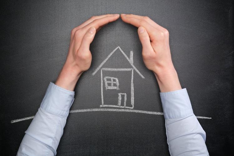 Versicherungen-Immobilienbesitz in Als Single ins Eigenheim – woran zu denken ist